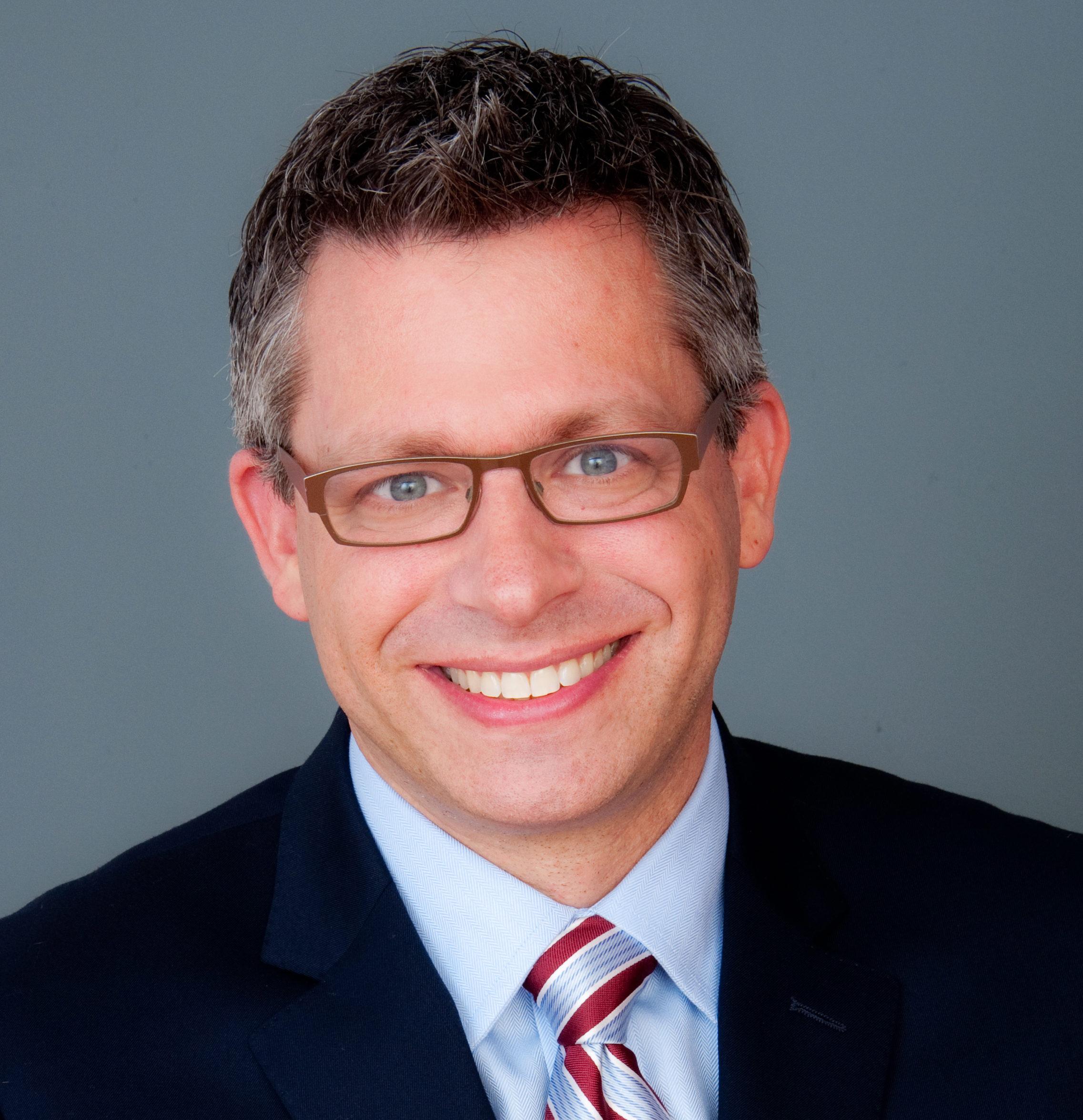 Dr Todd Weil a denturist in Salem Oregon